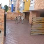 Puerta y parqueadero Antes